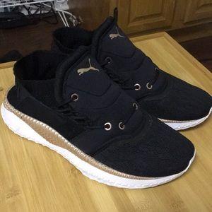 2018 PUMAs sneaker size 8